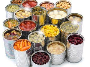 Чем опасны консервированные продукты?