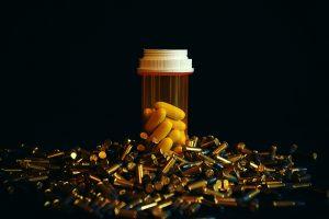Прием антибиотиков увеличивает риск инфаркта и инсульта у женщин зрелого возраста